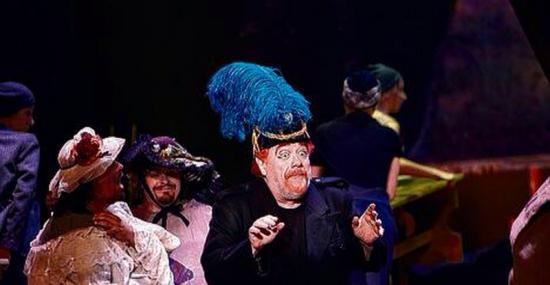 Jean-Philippe Lafont est le Général Boom à l'Opéra de Lausanne (Grande Dûchesse de Gérolstein)